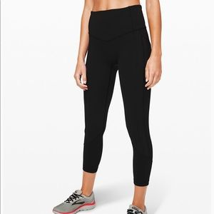 "Lululemon Women's Cropped Black 25"" Pants Size 12"